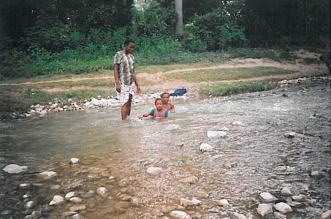 Bain à la rivière