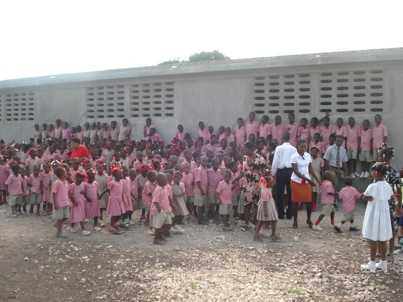 Rentrée des classes à l'école Missy Dossous