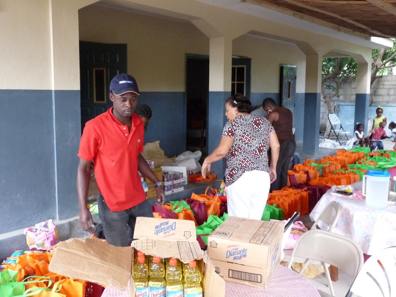 Noël des pauvres : distribution de produits de première nécessité
